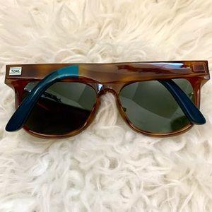 TOMS Phoenix Polarized Sunglasses Worn-Twice